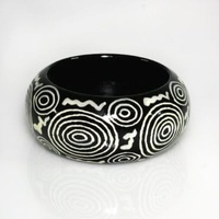 Aboriginal Art Lacquered Bangle (4cm) - Seven Sisters Story